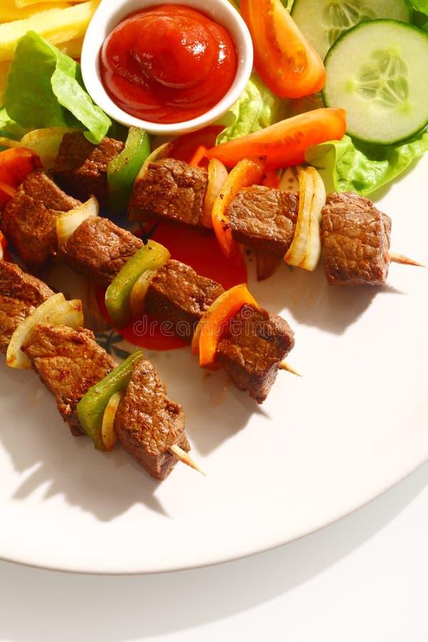 烤牛肉kebabs用甜椒 库存图片