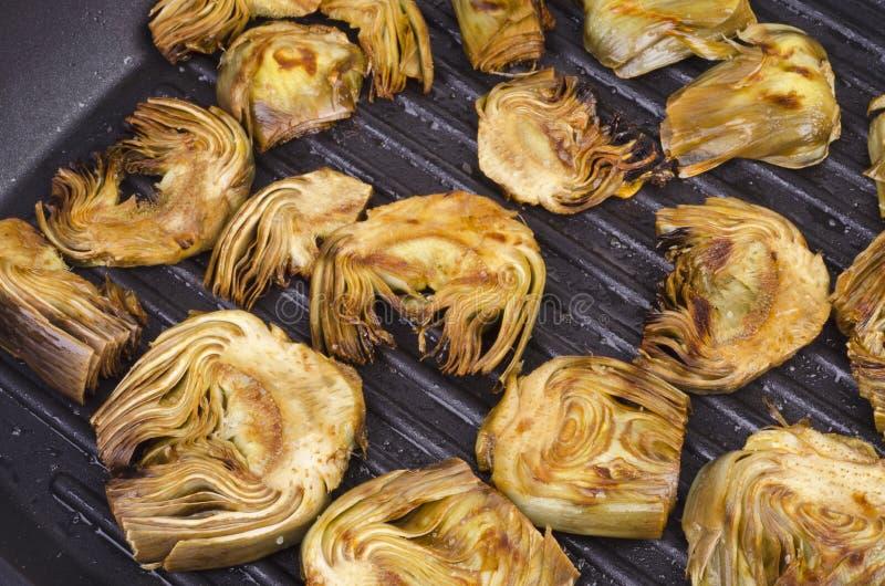烤的烤朝鲜蓟 图库摄影
