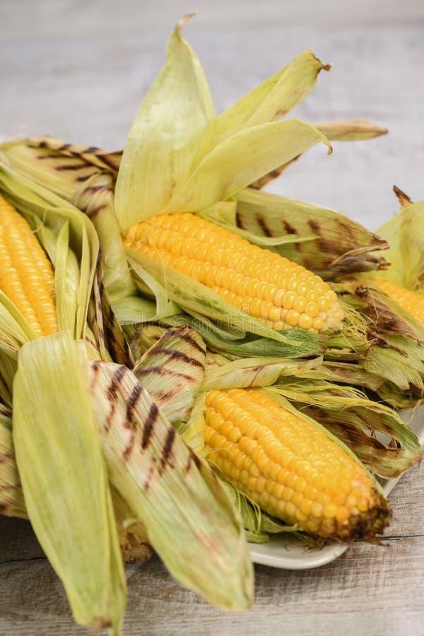 烤的玉米棒子 免版税库存图片