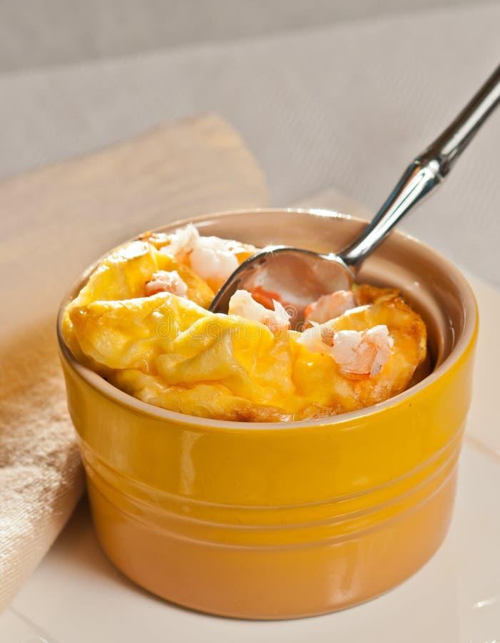 烤箱喘气了龙虾和咸味干乳酪乳蛋糕paleo饮食 库存图片