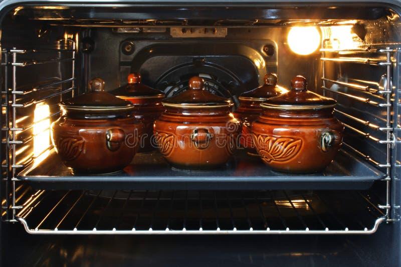 烤箱罐 库存图片
