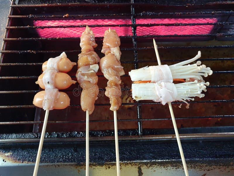 烤肉猪肉多士与四川胡椒is Is的格栅调味汁为烹调是有用的中国草本 库存图片