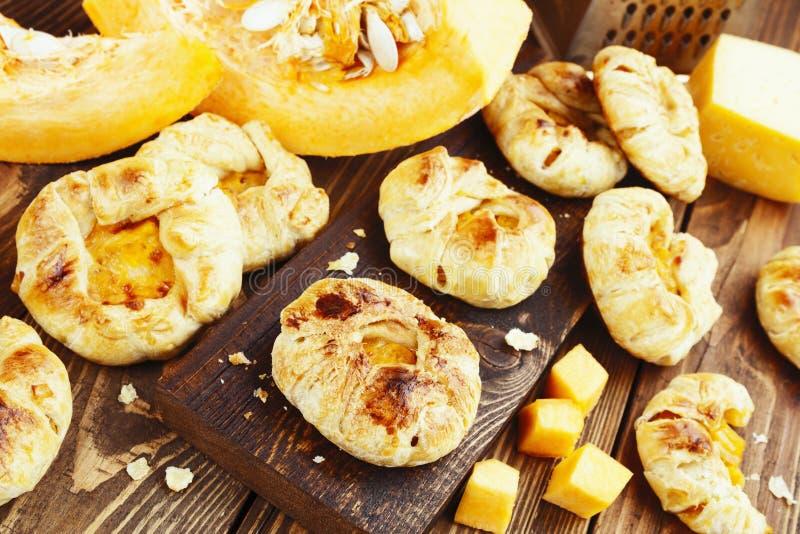 烤饼用南瓜和乳酪 库存照片
