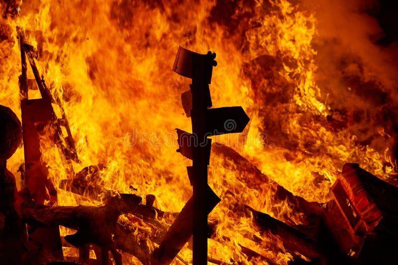 烧在巴伦西亚费斯特的法利亚斯火在3月19日 免版税库存照片
