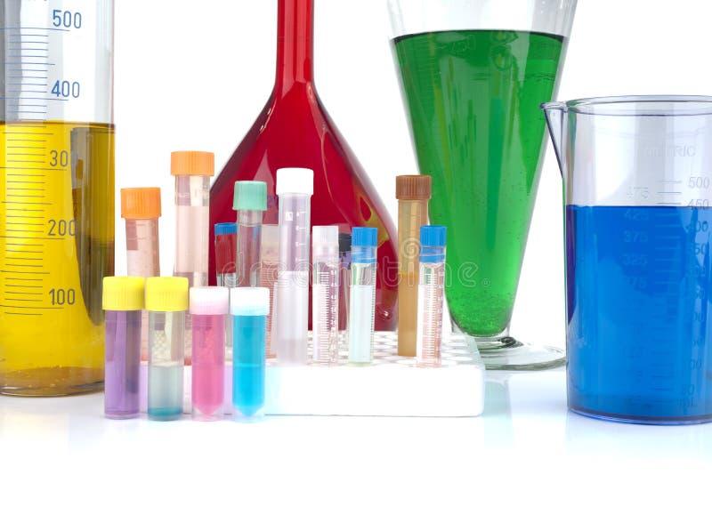 烧杯、测试管和实验室玻璃器皿 库存图片