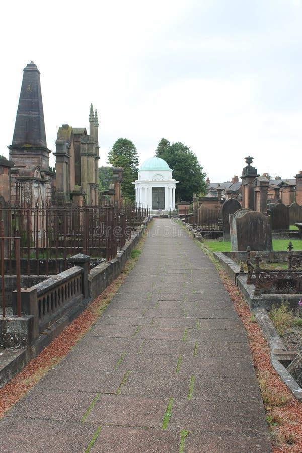 烧的希腊陵墓,他的寡妇吉恩和五那里家庭谎言 邓弗里斯苏格兰英国 库存图片