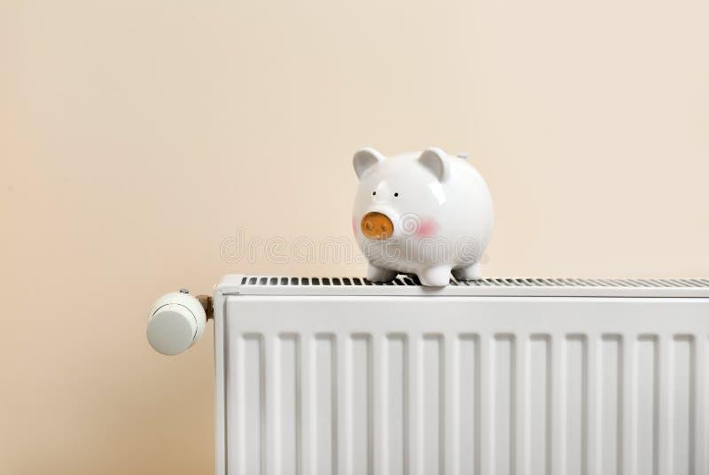热化幅射器的存钱罐 免版税库存图片