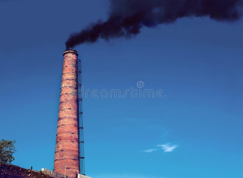 从热发电站的管子 图库摄影