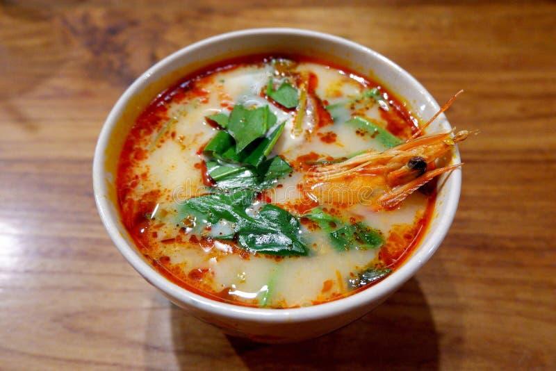 热和酸泰国汤用虾汤姆Goong 免版税库存照片
