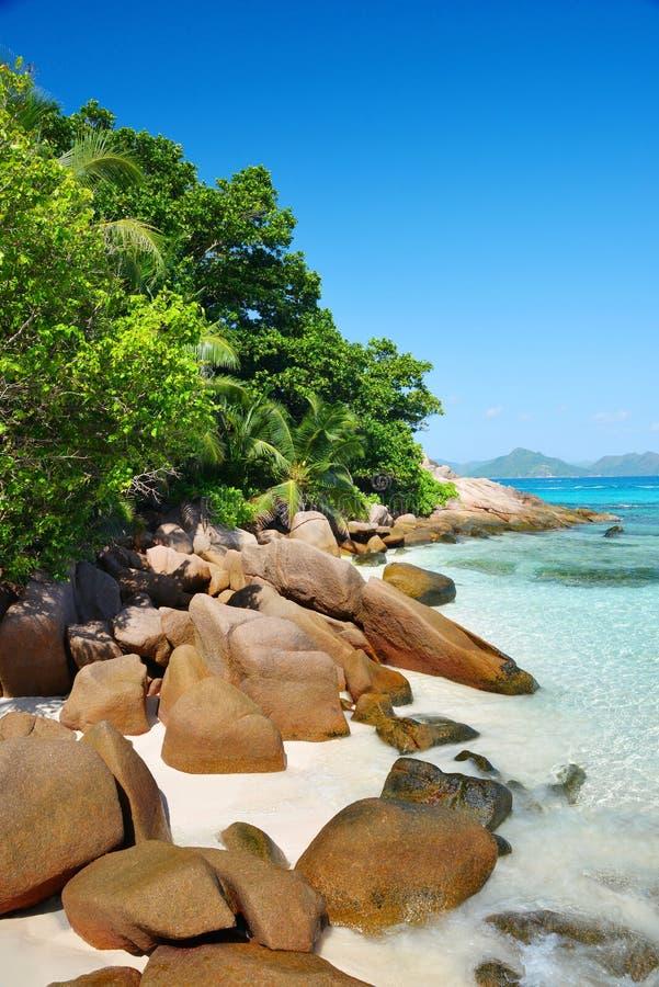 热带岛屿La Digue,位于印度洋Seyshelles的Anse Sever海滩 库存照片