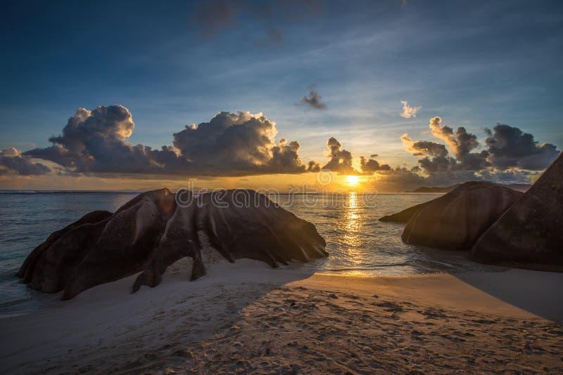 热带海岛海滩,银来源d的`,拉迪格岛,塞舌尔群岛 库存照片