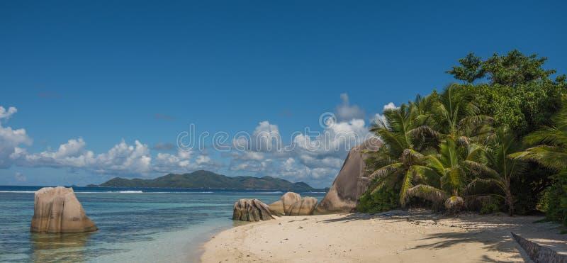 热带海岛海滩, d'argent的来源,拉迪格岛,塞舌尔群岛 免版税库存图片