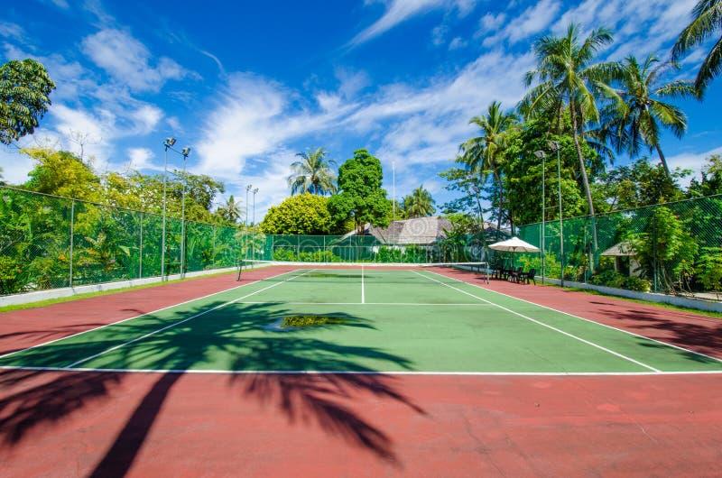 热带海岛的网球场 库存图片