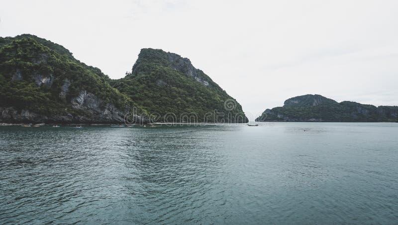 热带海岛美丽的群岛在泰国湾在曼谷南部 免版税库存照片