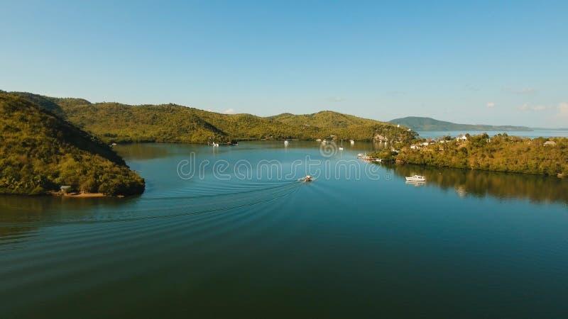 热带海湾的海运 鸟瞰图:海景Busuanga,巴拉望岛,菲律宾 免版税库存图片