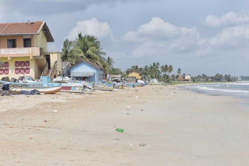 热带海滩在亭可马里,斯里兰卡 免版税库存照片