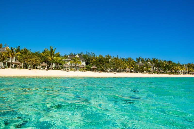 热带海滩,毛里求斯海岛风景  免版税库存图片