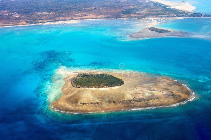 热带海洋从上面 免版税库存照片