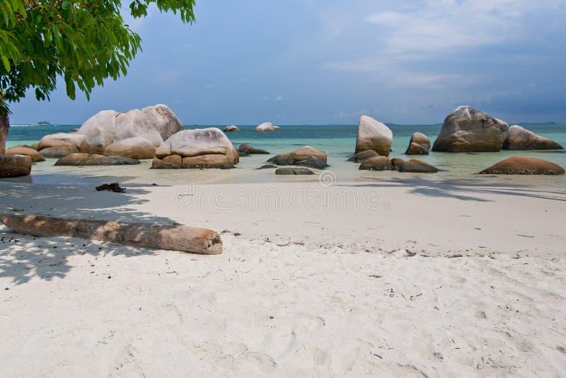 热带海滩在印度尼西亚, Bintan 免版税库存图片