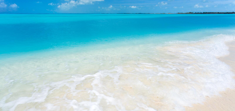 热带海滩在缓慢地Cayo海岛 库存图片
