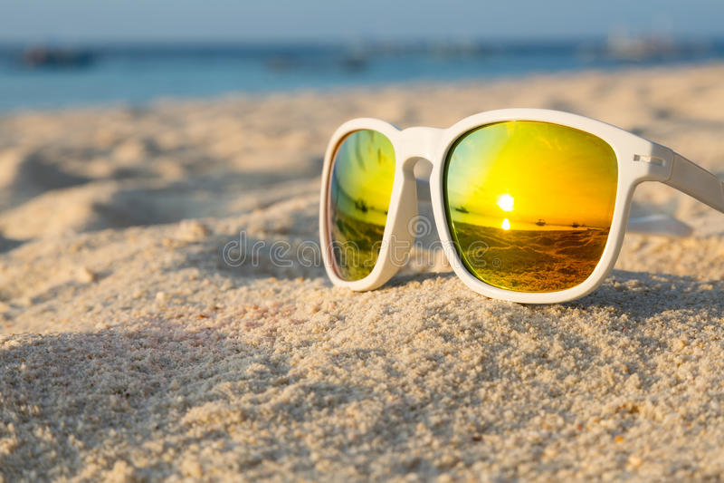 热带海滩太阳镜