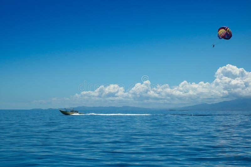 热带的帆伞运动 库存图片