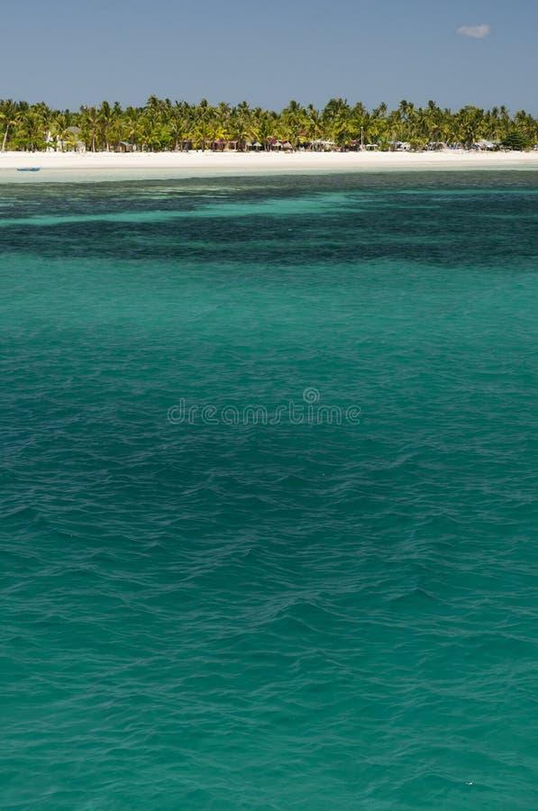 Download 热带的海岛 库存照片. 图片 包括有 夏天, 目的地, 本质, 捕鱼, 旅游业, 船舶, 海岛, 蓝色, 和平 - 72354738