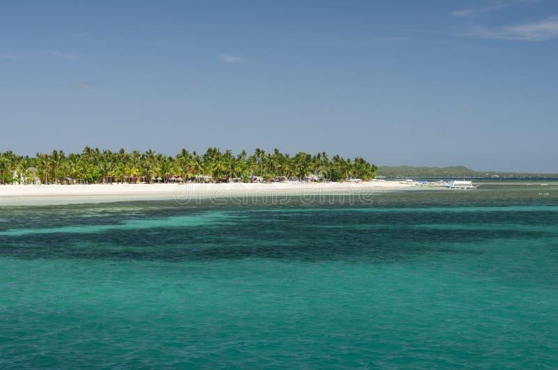 Download 热带的海岛 库存照片. 图片 包括有 休闲, 背包徒步旅行者, 蓝色, 海运, 水平, 天空, 横向, 火箭筒 - 72355568