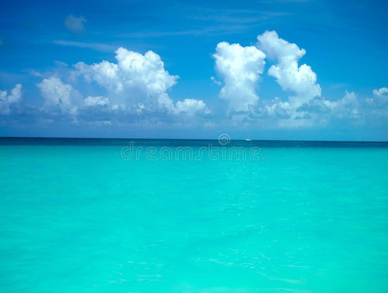 热带背景的海运 库存图片