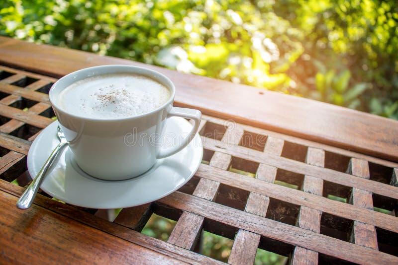热的拿铁咖啡 库存照片