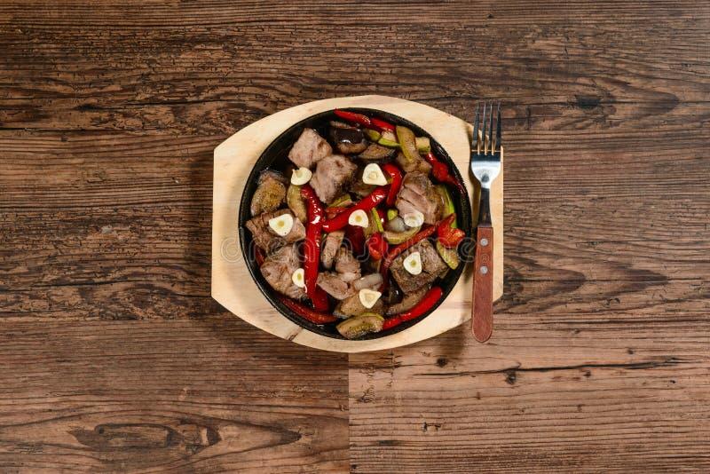 热的盘用肉 库存照片