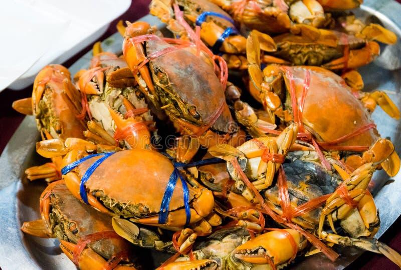 热的被蒸的蓝色游水螃蟹,烹调海鲜被蒸的螃蟹 库存照片