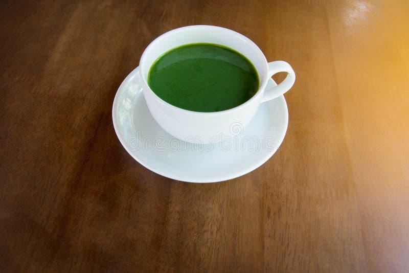 热的绿茶matcha 免版税库存图片