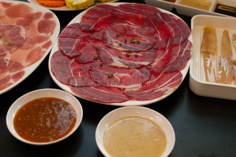 热的shabu的新鲜食品 库存图片