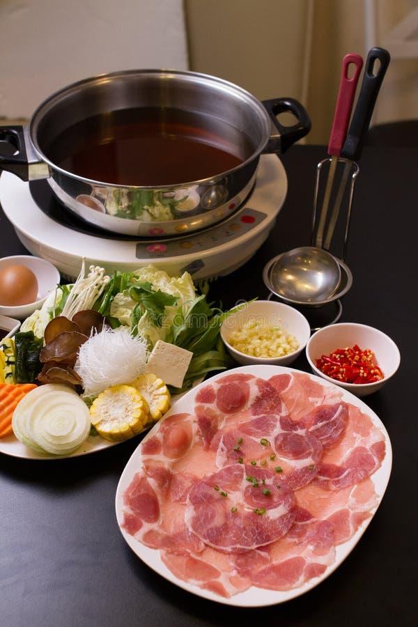 热的shabu的新鲜食品 免版税库存图片