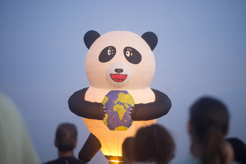 热空气气球展示在Harod春天 免版税图库摄影