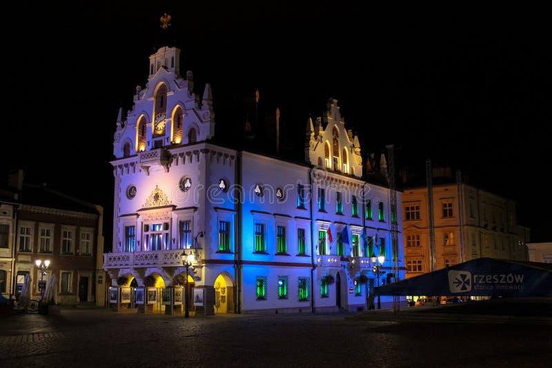 热舒夫,波兰- 2013年10月06日:古镇城镇厅 图库摄影