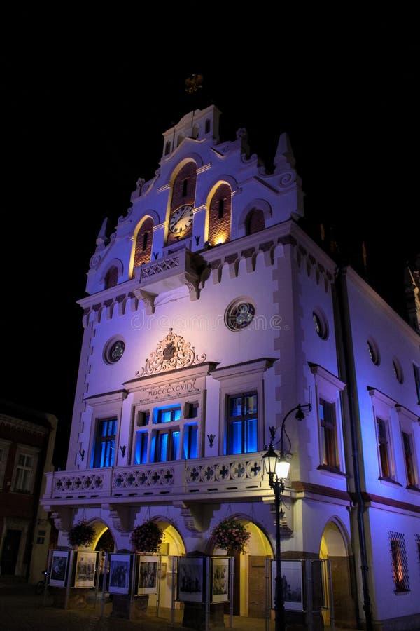 热舒夫,波兰- 2013年10月06日:古镇城镇厅 库存照片