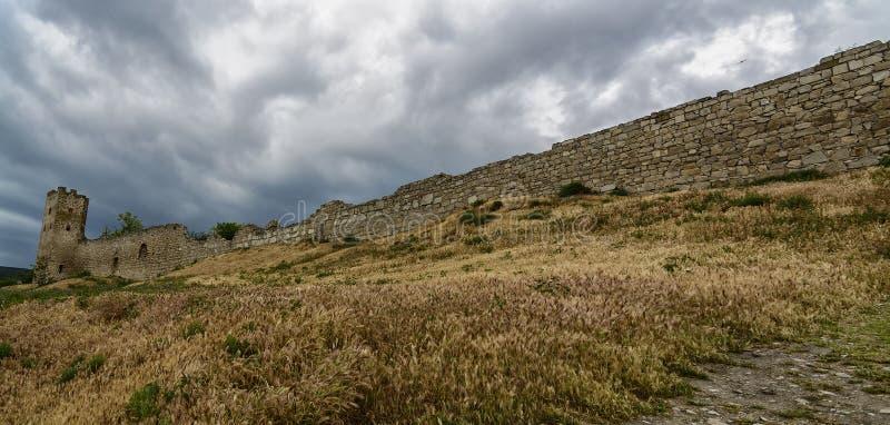热那亚人的堡垒Kafa,费奥多西亚,克里米亚 免版税库存图片