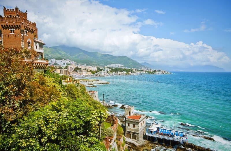 热那亚,意大利-城市海岸线全景在Tigullio的 免版税图库摄影