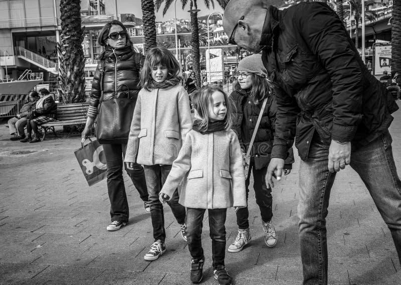 热那亚,意大利- 2016年4月21日:母亲家庭,生树 图库摄影