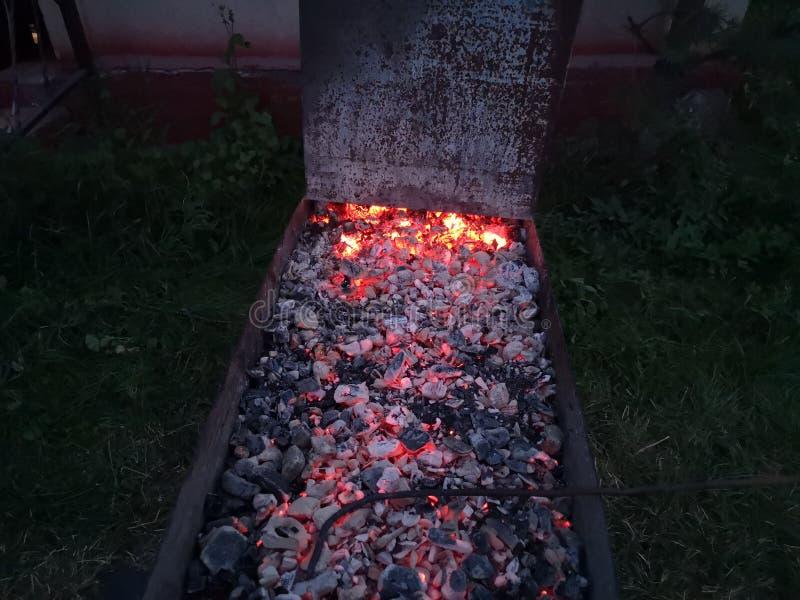 烹调一好kebab的煤炭 库存图片