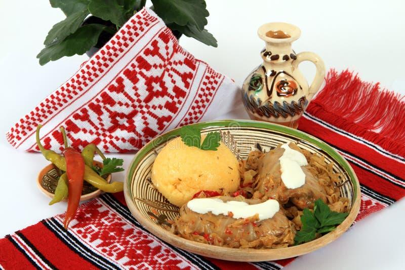 烹调传统罗马尼亚的sarmale 库存图片