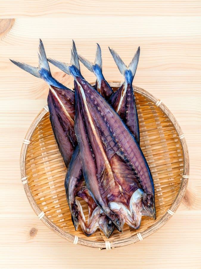 烹调传统亚洲食物的Prepare保存了咸鱼  库存图片