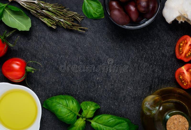 烹调在拷贝空间框架的食品成分 库存图片