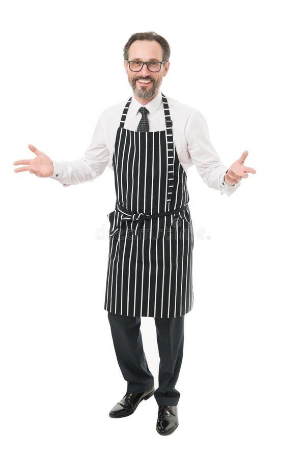 烹调理发师或卖主佩带的围裙 围裙推销员的有胡子的人 家庭大师  E 家庭责任 免版税图库摄影