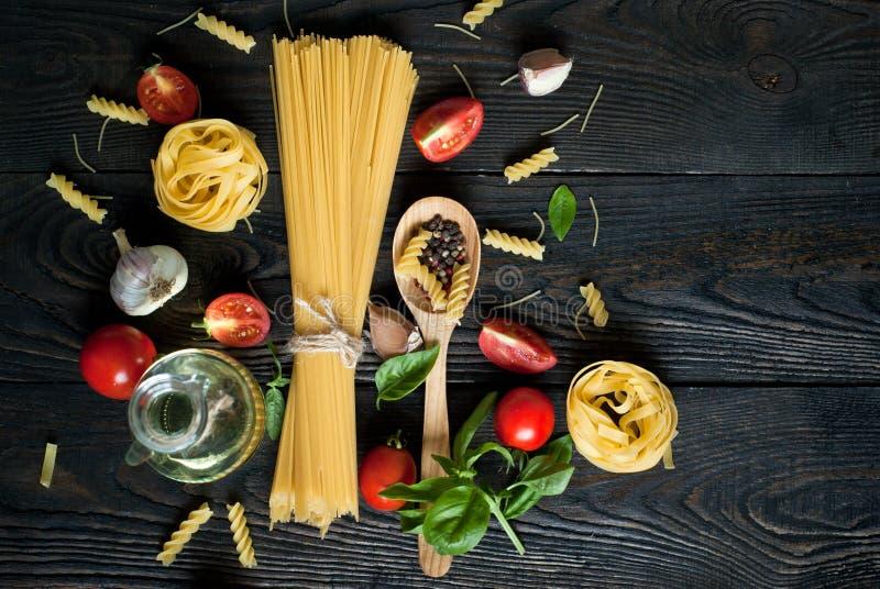 烹调的意大利面团成份 库存照片