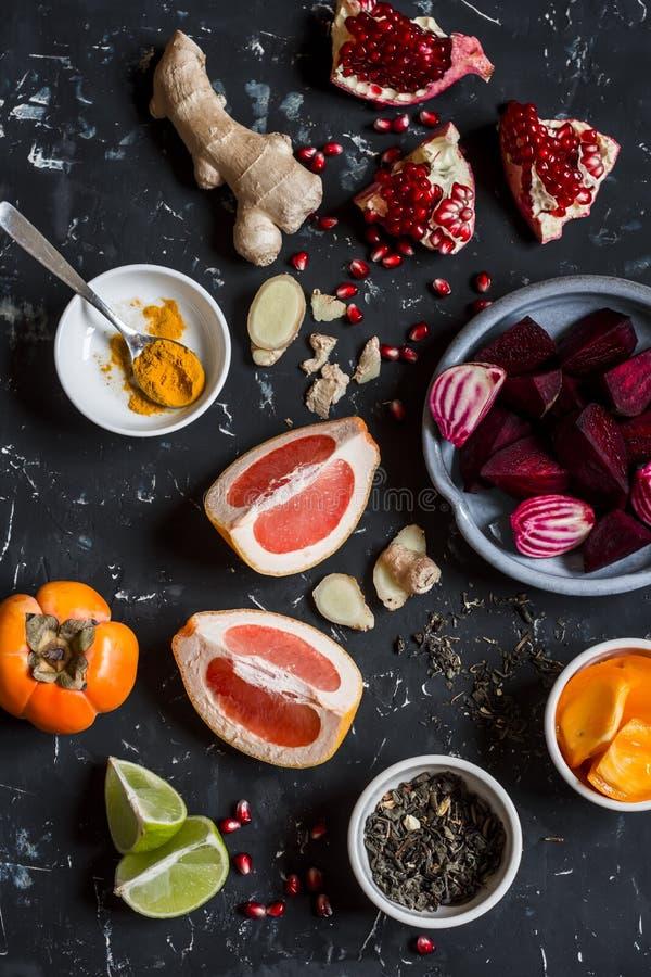 烹调的甜菜和姜戒毒所不老长寿药成份 项目符号 免版税图库摄影