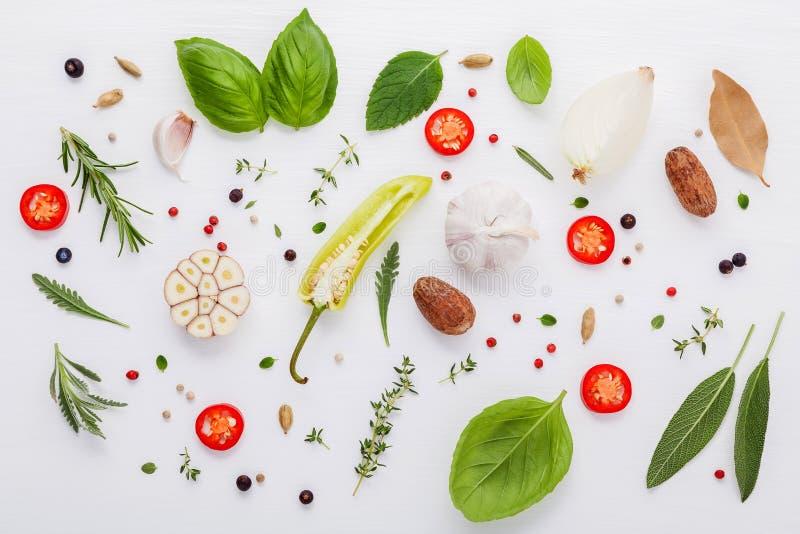 烹调的ingrediens薄荷,甜ba各种各样的新鲜的草本 库存照片