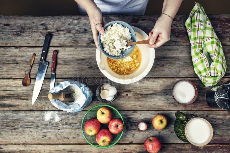 烹调食物 早餐,蛋糕,油煎,国内,成份,准备 免版税库存照片